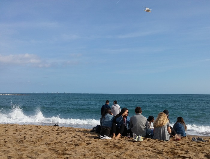 רונית כפיר סופשבוע בברצלונה חוף הים