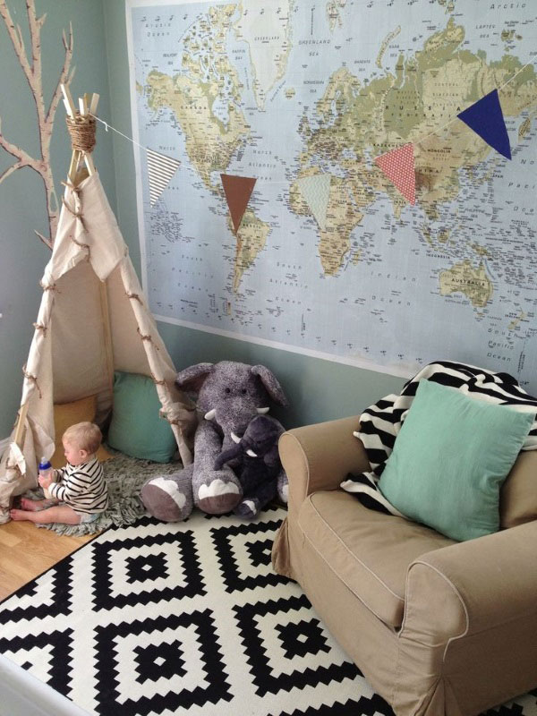 שטיח שחור לבן של איקאה בחדר ילדים