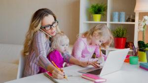 נשים עבודה וילדים. רונית כפיר