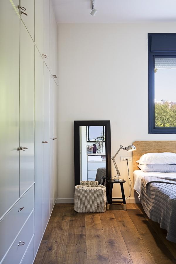 ארון קיר בחדר שינה הורים. רונית כפיר